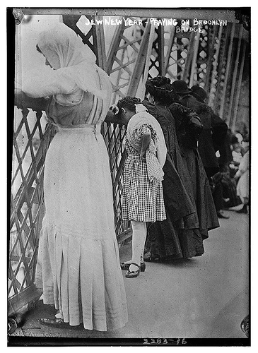Flickr LOC: Praying on the Brooklyn Bridge